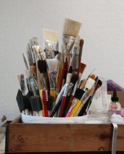 painbrushes tools